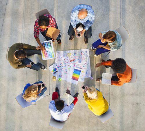 همکاری گروهی افراد با یکدیگر
